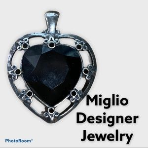 Miglio Black Swarovski Heart Necklace